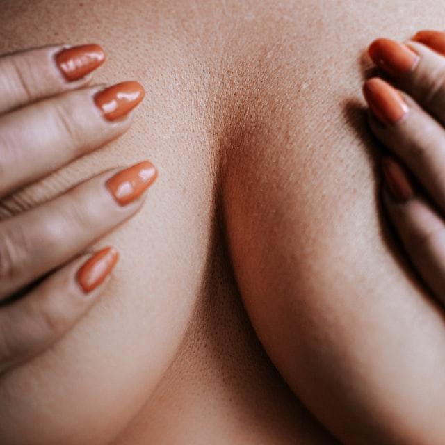 Implants mammaires quand in fait de la musculation